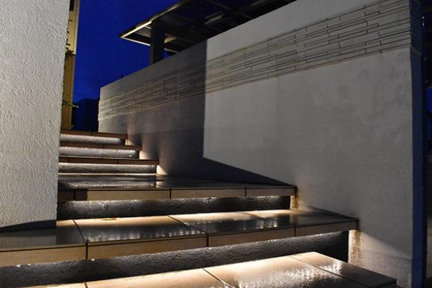 階段ライティング