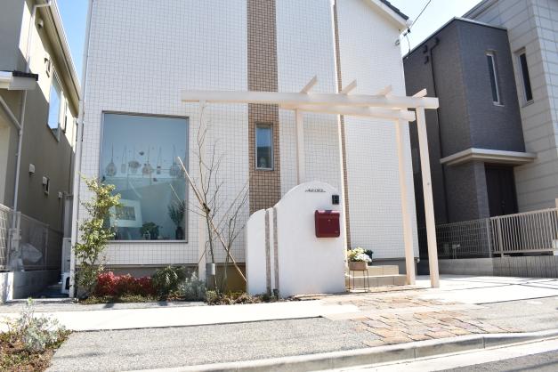 お家と門柱