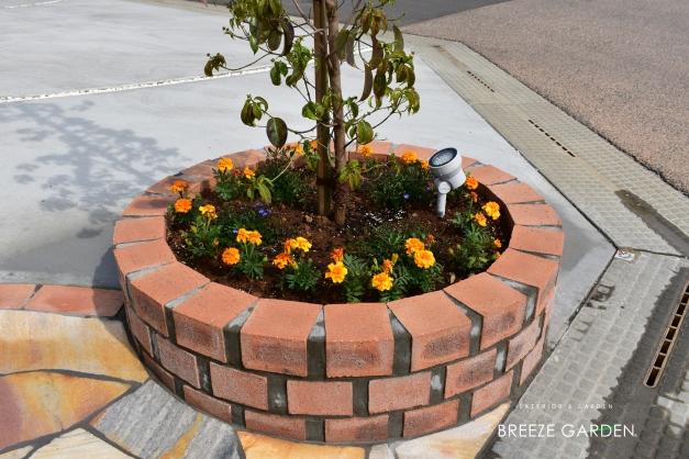 丸い植栽スペース